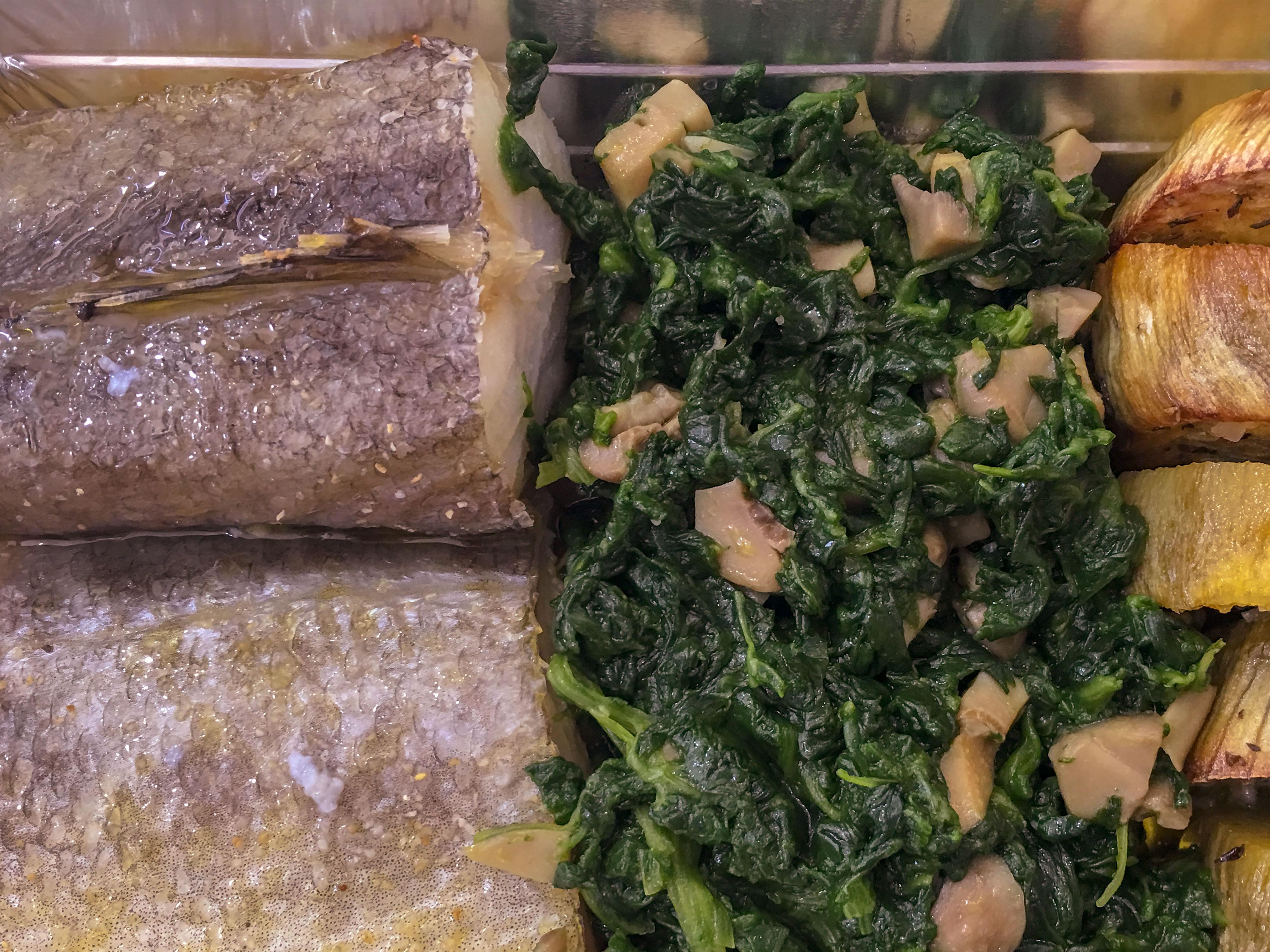 Lombos de Bacalhau com Grelos Salteados e Batata Doce